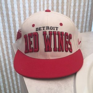 Detroit Red Wings Snap Back